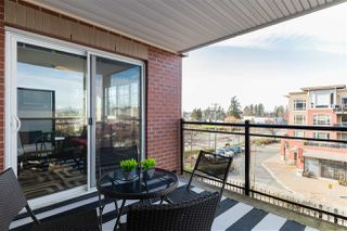 """Photo 16: 311 2940 KING GEORGE Boulevard in Surrey: King George Corridor Condo for sale in """"High Street"""" (South Surrey White Rock)  : MLS®# R2436716"""