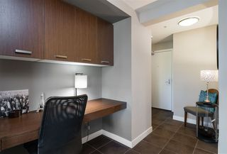 """Photo 2: 311 2940 KING GEORGE Boulevard in Surrey: King George Corridor Condo for sale in """"High Street"""" (South Surrey White Rock)  : MLS®# R2436716"""