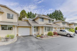 """Photo 3: 3 11848 LAITY Street in Maple Ridge: West Central Townhouse for sale in """"LAITY ESTATES"""" : MLS®# R2463408"""
