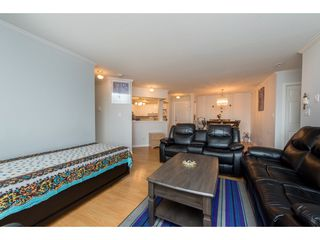 """Photo 17: 210 32044 OLD YALE Road in Abbotsford: Abbotsford West Condo for sale in """"GREEN GABLES"""" : MLS®# R2465154"""