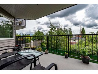 """Photo 27: 210 32044 OLD YALE Road in Abbotsford: Abbotsford West Condo for sale in """"GREEN GABLES"""" : MLS®# R2465154"""