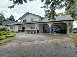 Photo 3: 6447 SAMRON Road in Sechelt: Sechelt District House for sale (Sunshine Coast)  : MLS®# R2473484