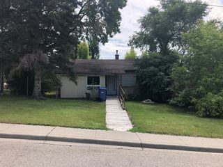 Photo 3: 4539 22 Avenue NW in Calgary: Montgomery Detached for sale : MLS®# A1015735