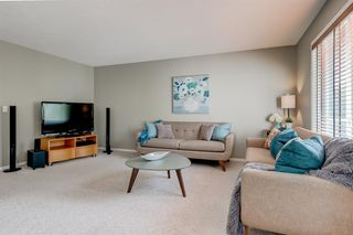 Photo 4: 69 Cougarstone Villas SW in Calgary: Cougar Ridge Detached for sale : MLS®# A1039696