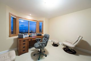 Photo 18: 4812 SKYLINE Drive in North Vancouver: Canyon Heights NV House for sale : MLS®# R2390863