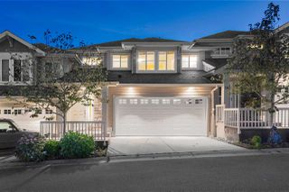 """Photo 1: 17 11160 234A Street in Maple Ridge: Cottonwood MR Townhouse for sale in """"VILLAGE AT KANAKA"""" : MLS®# R2401830"""