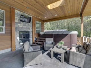 Photo 19: 41643 DRYDEN Road in Squamish: Brackendale House for sale : MLS®# R2408185