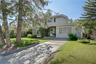 Main Photo: 151 SOUTHAMPTON Drive SW in Calgary: Southwood Detached for sale : MLS®# C4297317