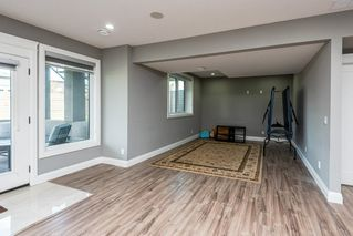 Photo 41: 925 WOOD Place in Edmonton: Zone 56 House for sale : MLS®# E4212744