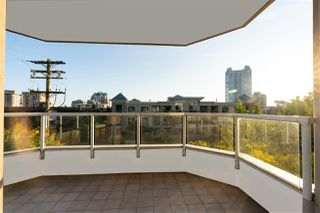 "Photo 18: 301 408 LONSDALE Avenue in North Vancouver: Lower Lonsdale Condo for sale in ""THE MONACO"" : MLS®# R2501486"
