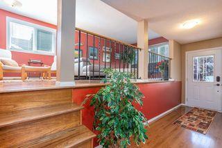 Photo 2: 5607 38B Avenue in Edmonton: Zone 29 House for sale : MLS®# E4209872