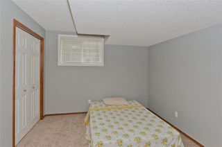 Photo 36: 70 Cresthaven Way SW in Calgary: Crestmont Detached for sale : MLS®# C4285935