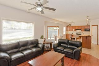 Photo 12: 70 Cresthaven Way SW in Calgary: Crestmont Detached for sale : MLS®# C4285935
