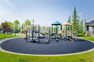 Photo 45: 70 Cresthaven Way SW in Calgary: Crestmont Detached for sale : MLS®# C4285935