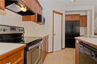 Photo 15: 70 Cresthaven Way SW in Calgary: Crestmont Detached for sale : MLS®# C4285935