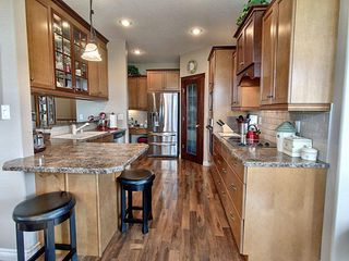 Photo 5: 1504 147 Avenue in Edmonton: Zone 35 House for sale : MLS®# E4187081