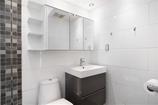 """Photo 8: 301 1146 HARWOOD Street in Vancouver: West End VW Condo for sale in """"The Lampligher"""" (Vancouver West)  : MLS®# R2447032"""