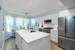 """Photo 4: 5 1135 LANSDOWNE Drive in Coquitlam: Eagle Ridge CQ Townhouse for sale in """"CREEKSIDE ESTATES"""" : MLS®# R2483378"""