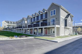Photo 2: 352 South Point Square SW: Airdrie Row/Townhouse for sale : MLS®# A1037987