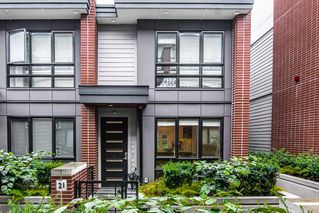 Photo 2: 21 378 W 64TH Avenue in Vancouver: Marpole Townhouse for sale (Vancouver West)  : MLS®# R2390088