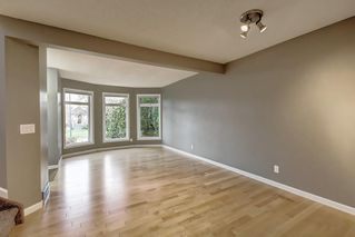 Photo 6: 2002 7 Avenue NW in Calgary: West Hillhurst Detached for sale : MLS®# C4291258