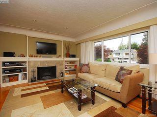 Photo 5: 1011 Gosper Cres in VICTORIA: Es Kinsmen Park House for sale (Esquimalt)  : MLS®# 584592