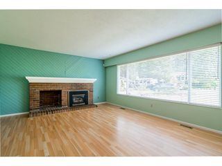 """Photo 3: 3737 196A Street in Langley: Brookswood Langley House for sale in """"Brookswood"""" : MLS®# R2479640"""