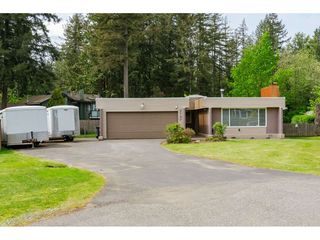 """Photo 2: 3737 196A Street in Langley: Brookswood Langley House for sale in """"Brookswood"""" : MLS®# R2479640"""