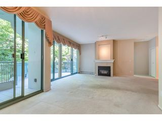 """Photo 3: 204 1765 MARTIN Drive in Surrey: Sunnyside Park Surrey Condo for sale in """"SOUTHWYND"""" (South Surrey White Rock)  : MLS®# R2480960"""
