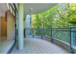 """Photo 6: 204 1765 MARTIN Drive in Surrey: Sunnyside Park Surrey Condo for sale in """"SOUTHWYND"""" (South Surrey White Rock)  : MLS®# R2480960"""