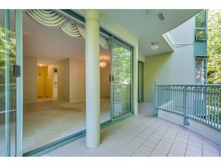 """Photo 7: 204 1765 MARTIN Drive in Surrey: Sunnyside Park Surrey Condo for sale in """"SOUTHWYND"""" (South Surrey White Rock)  : MLS®# R2480960"""