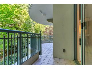 """Photo 8: 204 1765 MARTIN Drive in Surrey: Sunnyside Park Surrey Condo for sale in """"SOUTHWYND"""" (South Surrey White Rock)  : MLS®# R2480960"""