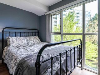 Photo 10: 302 2733 CHANDLERY Place in Vancouver: South Marine Condo for sale (Vancouver East)  : MLS®# R2483139