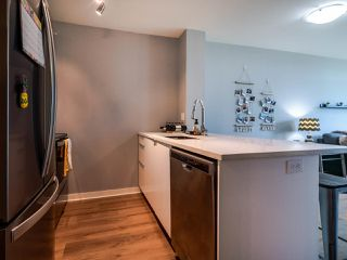 Photo 5: 302 2733 CHANDLERY Place in Vancouver: South Marine Condo for sale (Vancouver East)  : MLS®# R2483139