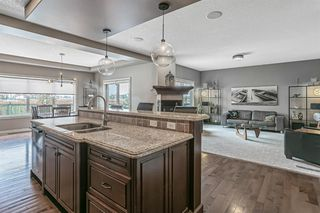 Photo 8: 36 Westpark Crescent SW in Calgary: West Springs Detached for sale : MLS®# A1045075