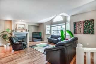 "Photo 2: 86 101 PARKSIDE Drive in Port Moody: Heritage Mountain Townhouse for sale in ""Treetops"" : MLS®# R2402174"
