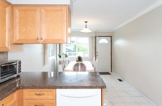 Photo 4: 4105 CAMBRIDGE STREET in Burnaby: Vancouver Heights House for sale (Burnaby North)  : MLS®# R2412305