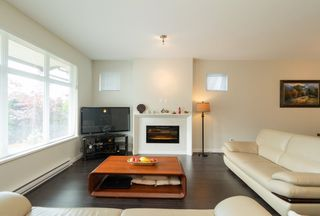 """Photo 7: 51 3400 DEVONSHIRE Avenue in Coquitlam: Burke Mountain Townhouse for sale in """"GATEWAY PROPERTY MANAGEMENT"""" : MLS®# R2422998"""