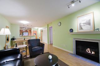Photo 4: 104 2161 WEST 12TH AVENUE in Carlings: Home for sale