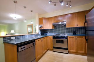 Photo 7: 104 2161 WEST 12TH AVENUE in Carlings: Home for sale