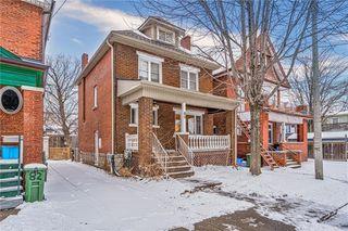 Photo 1: 80 Myrtle Avenue in Hamilton: House for sale : MLS®# H4074264