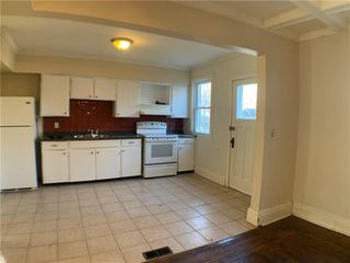 Photo 4: 80 Myrtle Avenue in Hamilton: House for sale : MLS®# H4074264