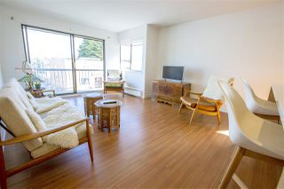 "Photo 3: 311 2040 CORNWALL Avenue in Vancouver: Kitsilano Condo for sale in ""BRYANSTON COURT"" (Vancouver West)  : MLS®# R2448932"