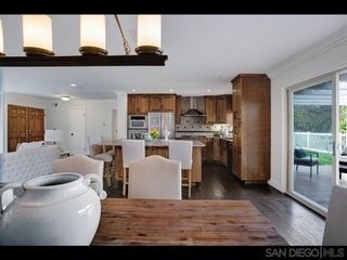 Photo 3: LA JOLLA House for sale : 3 bedrooms : 6246 Calle Veracruz