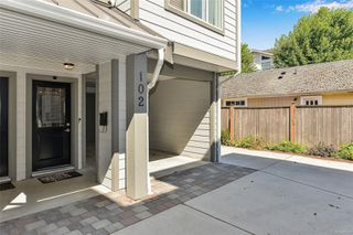 Photo 4: 102 944 DUNFORD Ave in : La Langford Proper Row/Townhouse for sale (Langford)  : MLS®# 850487