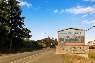 Photo 38: 102 944 DUNFORD Ave in : La Langford Proper Row/Townhouse for sale (Langford)  : MLS®# 850487
