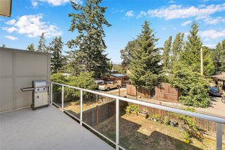 Photo 12: 102 944 DUNFORD Ave in : La Langford Proper Row/Townhouse for sale (Langford)  : MLS®# 850487