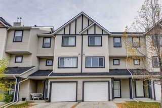 Main Photo: 185 Everhollow Heights SW in Calgary: Evergreen Row/Townhouse for sale : MLS®# A1041825