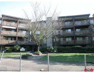 "Photo 1: 112 10644 151A ST in Surrey: Guildford Condo for sale in ""LINCOLN'S HILL"" (North Surrey)  : MLS®# F2503915"