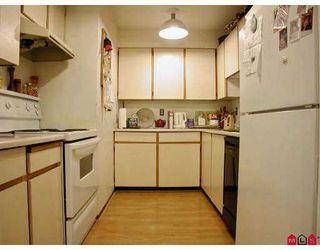 "Photo 2: 112 10644 151A ST in Surrey: Guildford Condo for sale in ""LINCOLN'S HILL"" (North Surrey)  : MLS®# F2503915"